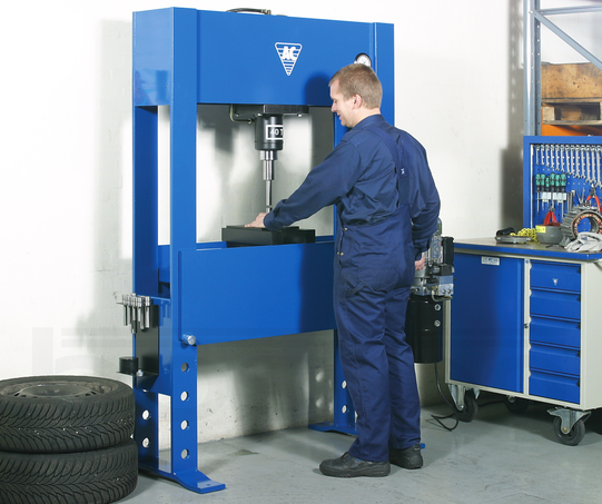40T Electro-Hydraulic Press for Commercial Workshops