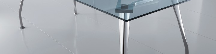 Segno Glass Boardroom Tables