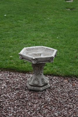 Hexagon Leaf Bird Bath
