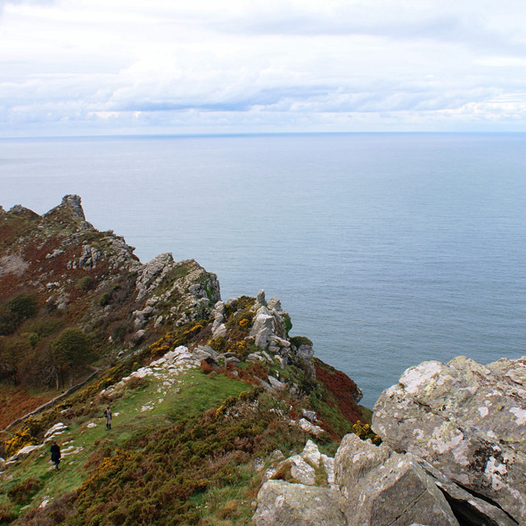 Valley of Rocks & Poets shelter