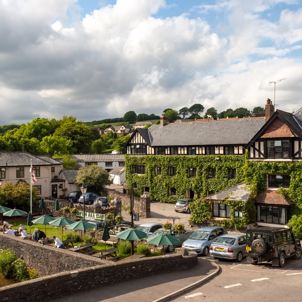 Exmoor White Horse Inn & Country Hotel